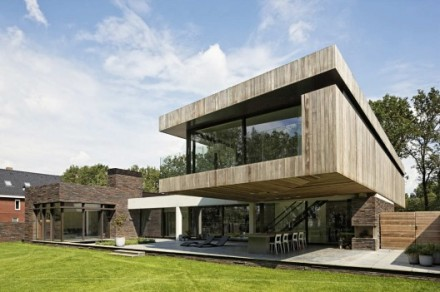 1329965380-overhang-of-the-wooden-volume-rdw-528x351